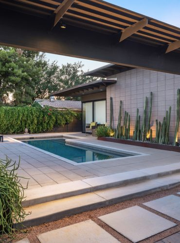 Erik - Engelman J2 Design Residence